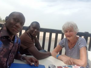 Vergadering met de Association Care for Gambia